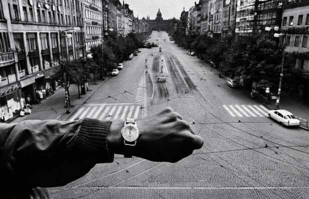 Josef Koudelka. Mano y reloj de pulsera, 1968.