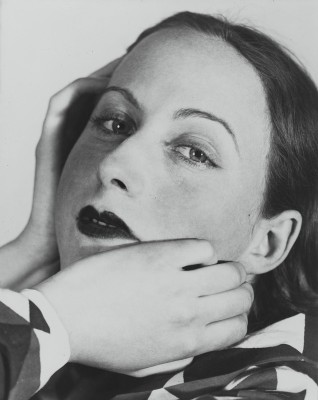 <>Florence Henri. Retrato composición, Cora, 1931.