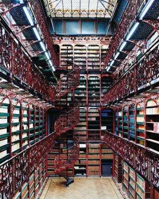 Antigua biblioteca del Candida Höfer. Ministerio de justicia. Handelingenkamer, La Haya, Holanda.