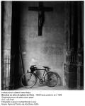 GOMEZ MARTINEZ-Bicicleta en atrio