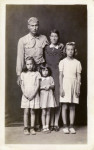 Mike Disfarmer. Loui and Alma Ramer with their daughters Lucille, Avonell an Faye. Vintage gelatin silver print, ca 1945-6.