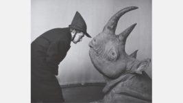 Salvador Dalí y cabeza de rinoceronte, Philippe Halsman
