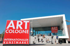 art_cologne_2010_entrance_2531
