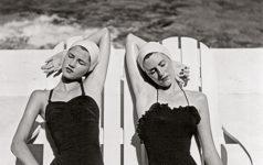 Louis Dahl-Wolfe, Gemelas en la playa, 1949.