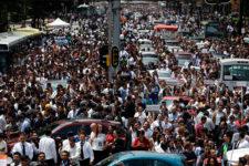 Rebecca Blackwell. Desalojo de personas en el Paseo de la Reforma de CDMX.